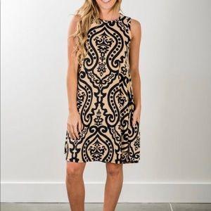Dresses - Black and Tan loose fit shift dress